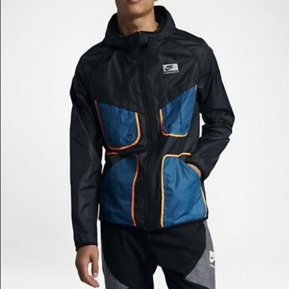NIKE International Windrunner Packable Jacket 0950920ea2